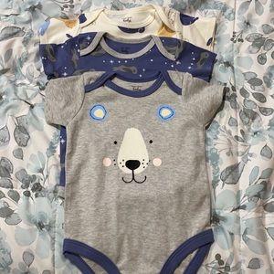 Man Vheri Baby Bodysuits Size 3-6 Months
